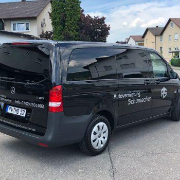 Mercedes Vito 8-Sitzer außen links